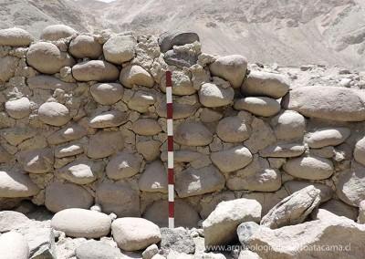 Muro de piedra con argamasa