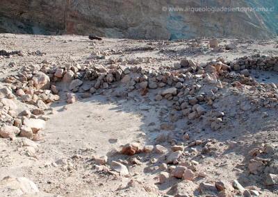 Recinto habitacional de muro de piedras
